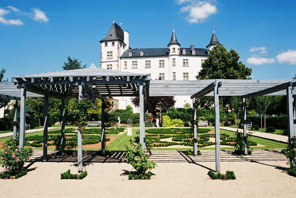 Schloss Berg Perl