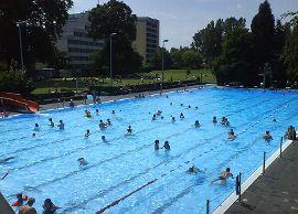Schwimmbad Frickhofen