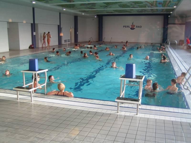 Bauhaus saarbr cken saarbr cken table basse relevable for Bauhaus schwimmbad